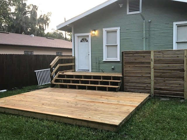Image of a Completed New Deck Construction Project in South Tampa